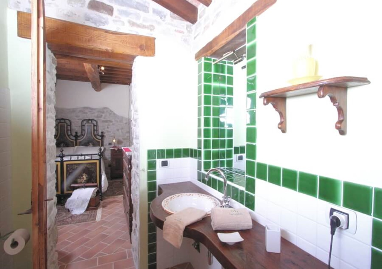Beautiful large stone house villa near Apecchio in Le Marche with private pool