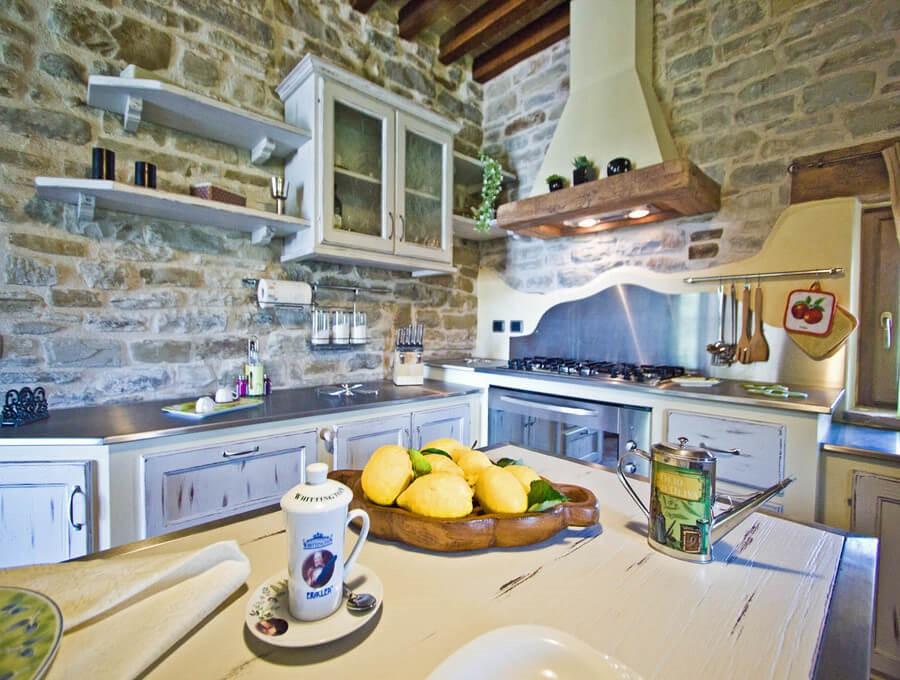 Apartment in large stone house near Apecchio in Le Marche