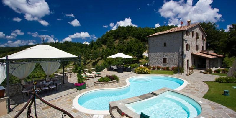 Cosy apartment for 2 people in beautiful stone house near Apecchio in Le Marche