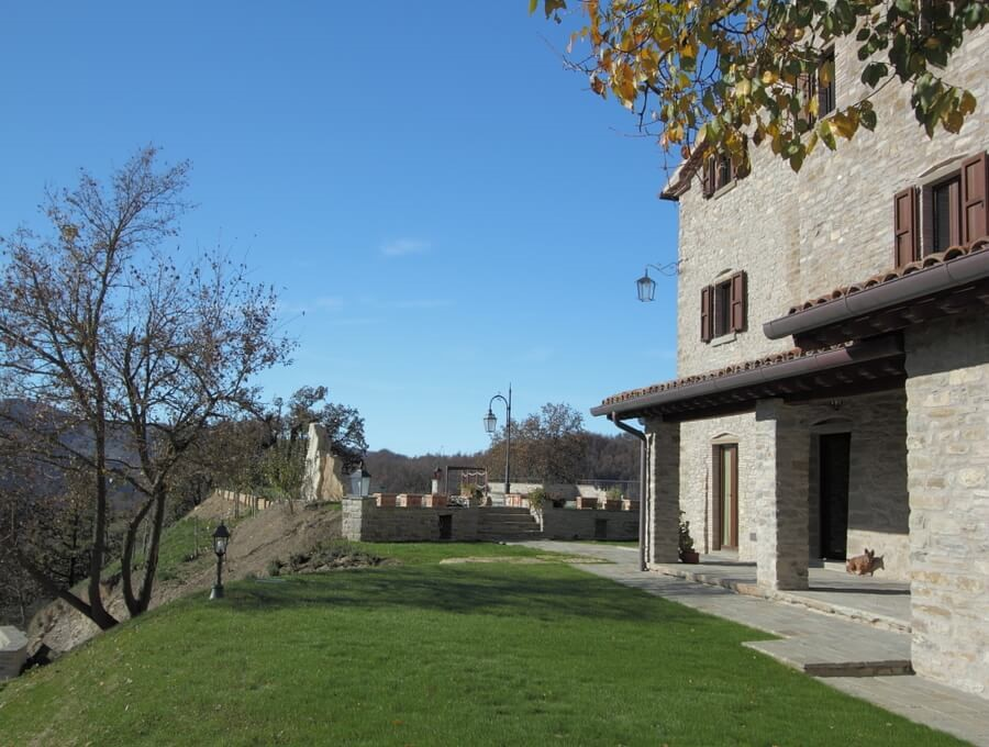 Cosy apartment for 2 people in beautiful stone house near Apecchio in Le Marche