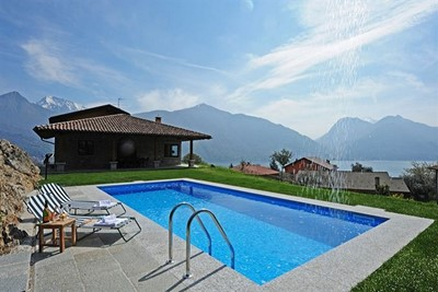 Luxury Lake Como villa with private pool and great panoramic views of the Lake