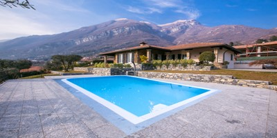 Attractive Lake Como villa with private pool within walking distance of amenities in the village Tremezzo