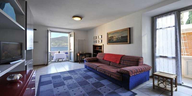 Romantic cosy Lake Como accommodation
