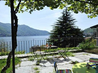Family friendly townhouse providing great Lake Como accommodation