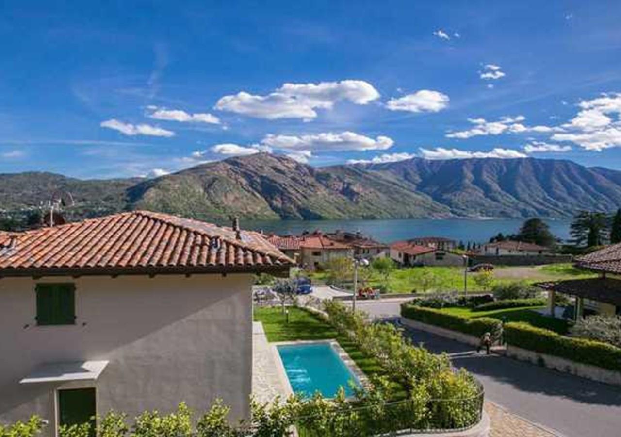 Modern Lake Como villa with pool suitable to groups