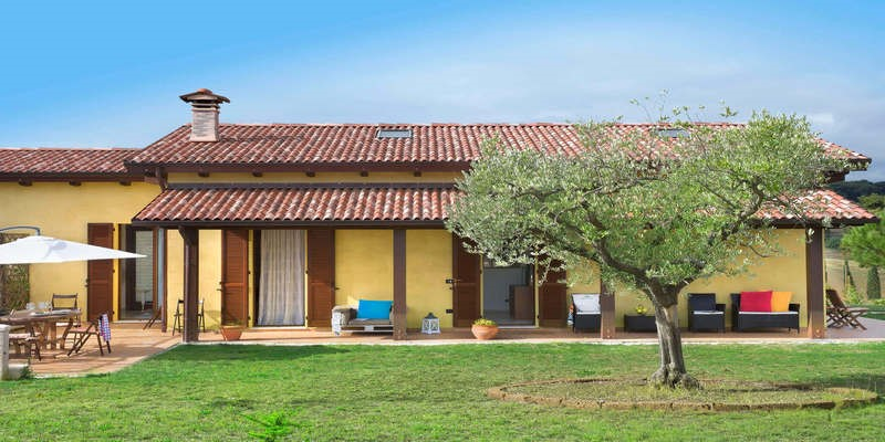Holiday House in Le Marche with private pool suitable for small families