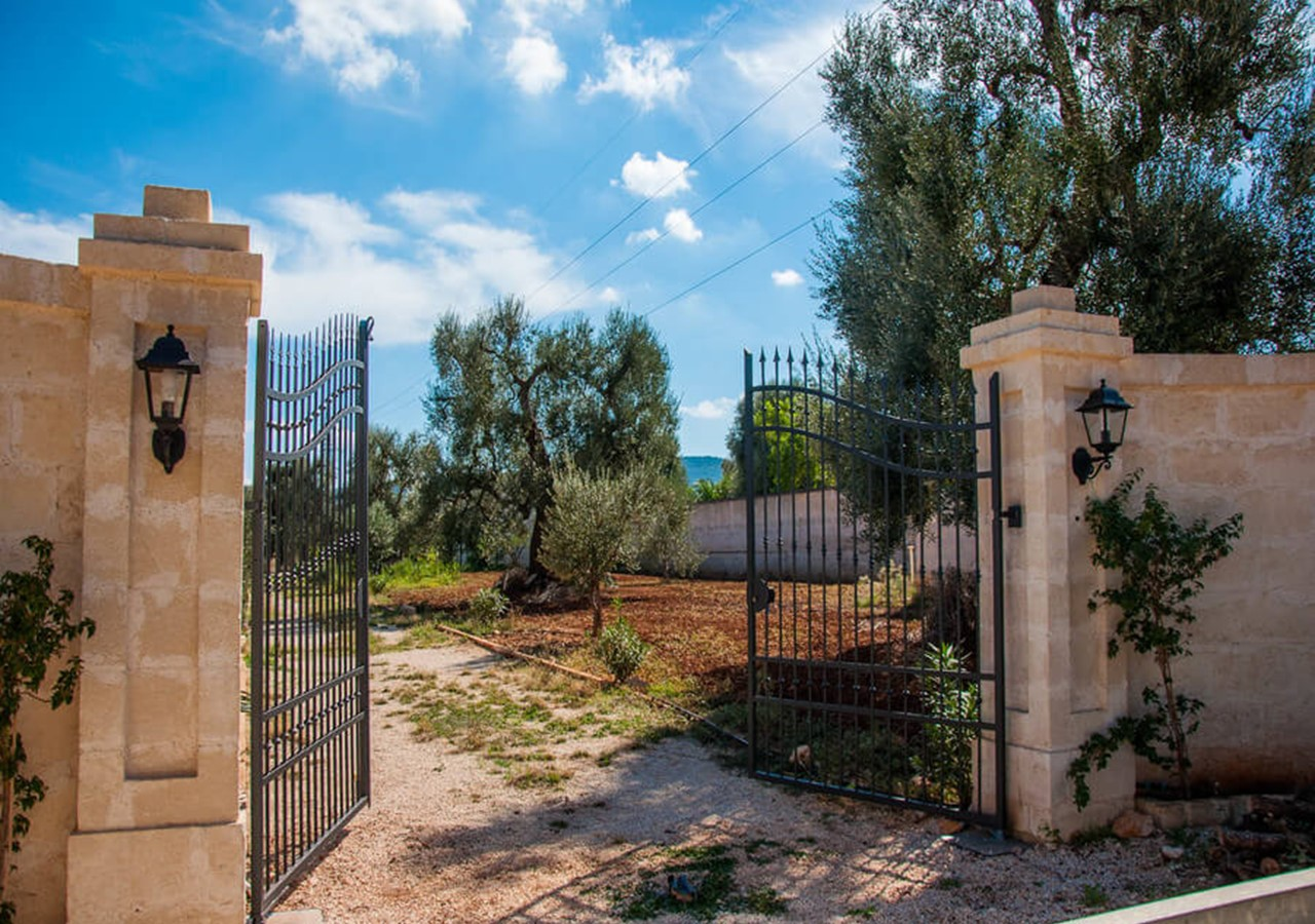 Traditional Puglia villa near Fassano in Puglia