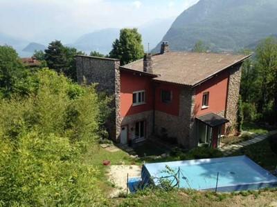 Family friendly Lake Como villa