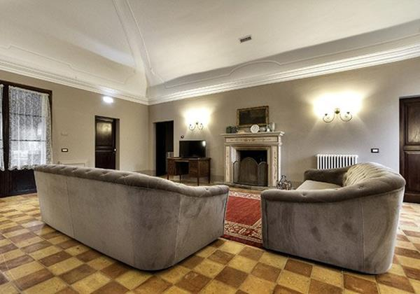 Large villa in Le March with pool