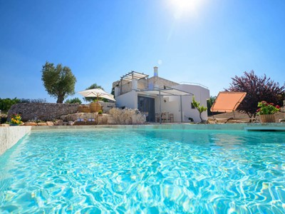 Beautiful Trulli near Martina Franca with private pool and large gardens