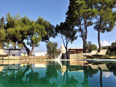 Excellent luxurious Trullo with private infinity pool located in the countryside surrounding Ceglie Messapica