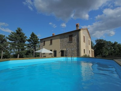 Spacious countryside Le Marche villa on a panoramic hill perfect for relaxation holidays
