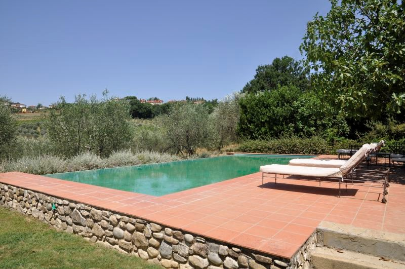 Authentic large villa in Tuscany with private pool