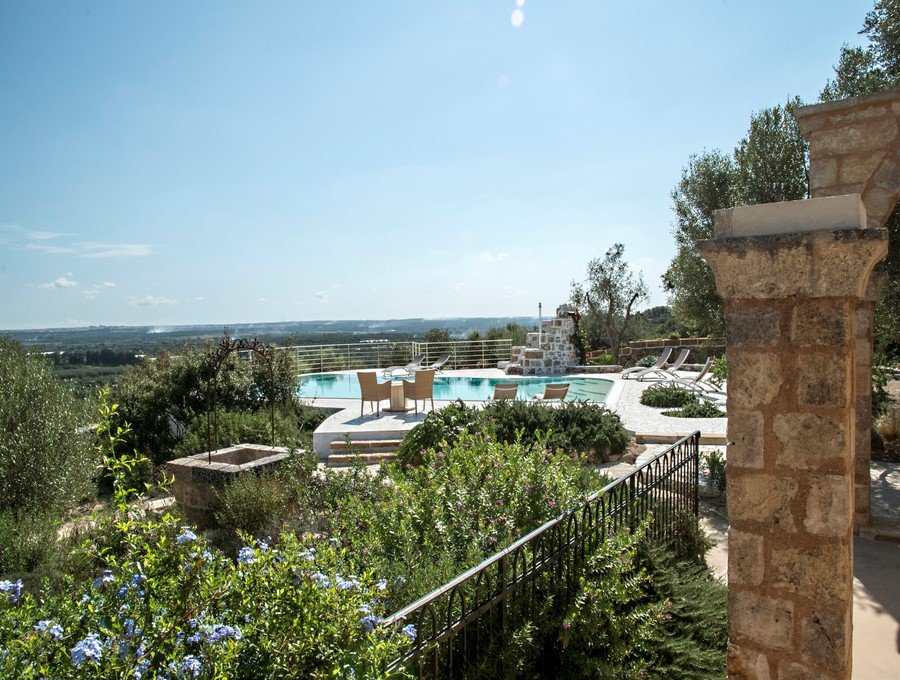 Villa in south Puglia with private pool suitable for large groups of families and friends
