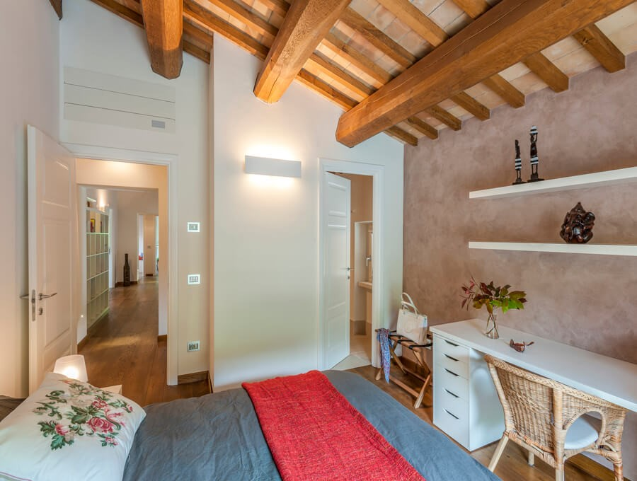 Wonderful Le Marche villa with private pool within walking distance of the local village