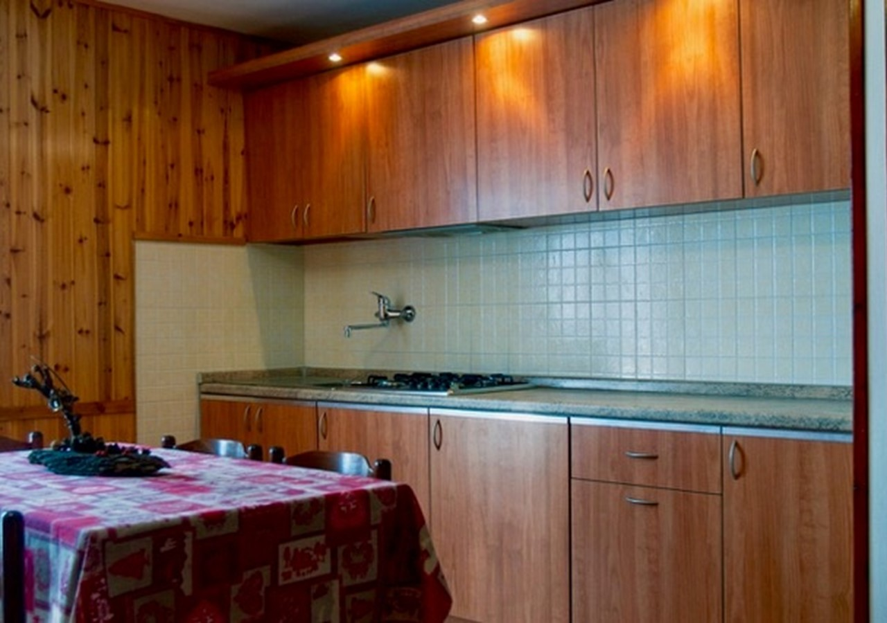 Apartment in Jouvenceaux near Sauze d'Oulx, sleeping 5 people just 300m from the ski lifts & 100m from bus stop