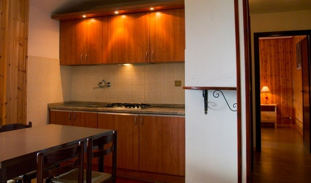 Apartment in Jouvenceaux near Sauze d'Oulx, sleeping 9 people just 300m from the ski lifts & 100m from bus stop