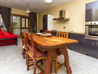 Modern 2 bedroomed apartment sleeping 8 in Sauze d'Oulx