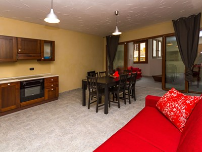 Modern 2 bedroomed apartment sleeping 10 in Sauze d'Oulx