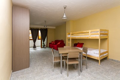 Modern studio apartment sleeping 4 in Sauze d'Oulx
