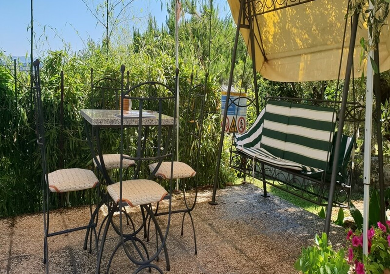 Rustic villa in Umbria with private pool only 500m from Lake Trasimeno suitable for small families looking for a relaxing holiday