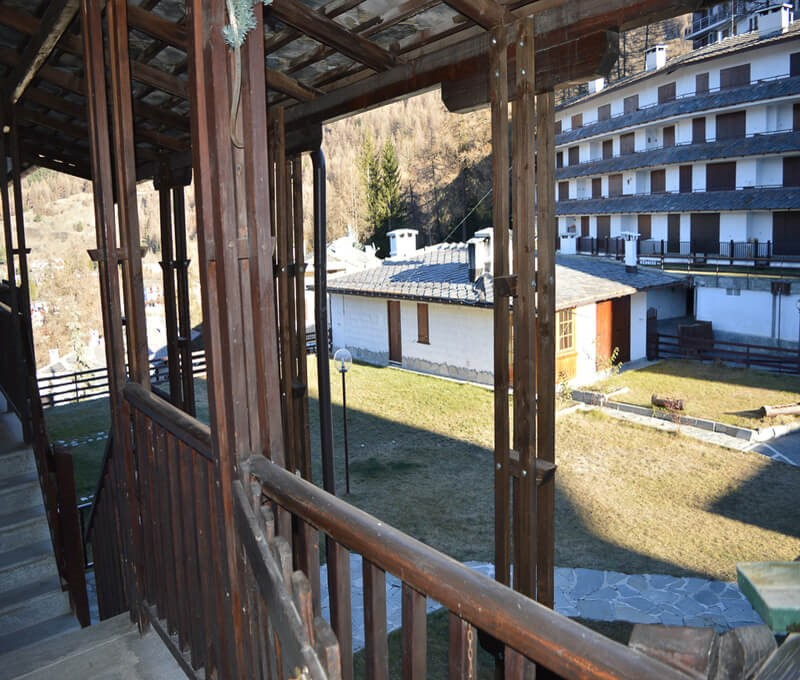 1 bedroomed apartment sleeping 5 200m from Clotes ski lift
