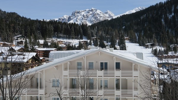 Self catering apartment in Madonna di Campiglio sleeping 3 people in a great location near to the slopes