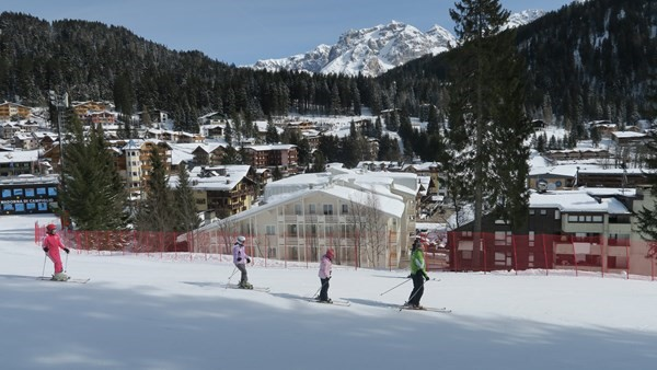 Self catering 1 bedroom apartment in Madonna di Campiglio sleeping 4 people in a great location near to the slopes