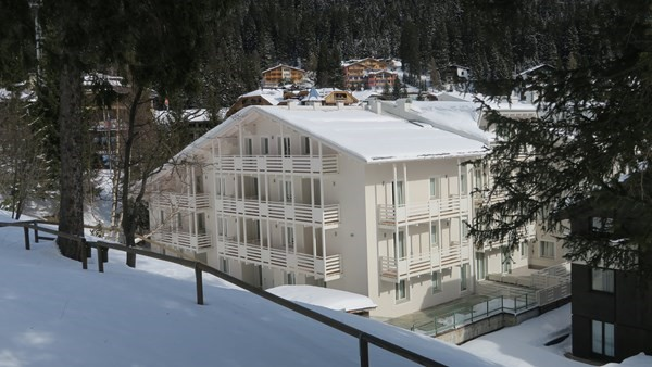 Self catering 1 bedroom apartment in Madonna di Campiglio sleeping 5 people in a great location near to the slopes