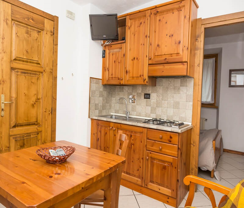 1 bedroom apartment for 2 people in the old town of Sauze d'oulx 100m from bus stop and 300m from the main square