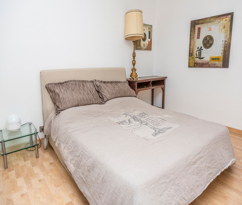 3 bedroomed apartment sleeping 8 people in a great location, just 220m from the Piazza Assietta