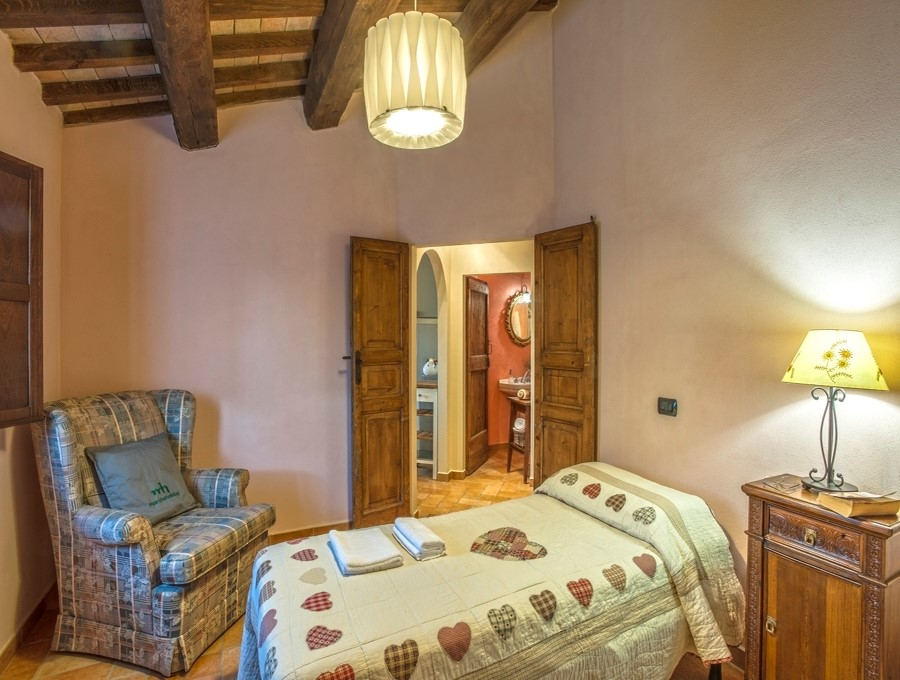 Apartment for 7 people in large villa in Le Marche