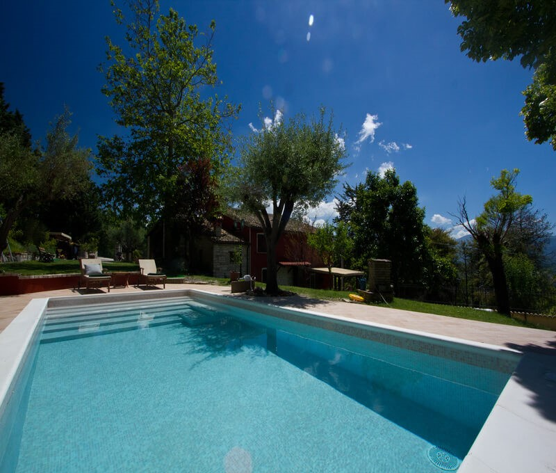 Apartment sleeping 6 people near Acqualagna in Le Marche with shared pool
