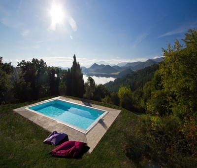 Cottage dependance within large villa in Le Marche with shared pool sleeping 5 people