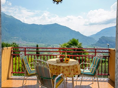 Villa in north Lake Garda sleeping 7 people with great panoramic views of the lake