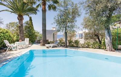 Villa with private pool in Massa Lubrense only 500m from the from the sea
