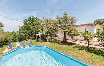Apartment with shared pool near Sorrento sleeping 4 people
