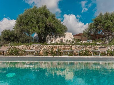 Luxury Trullo near Cisternino with private swimming pool