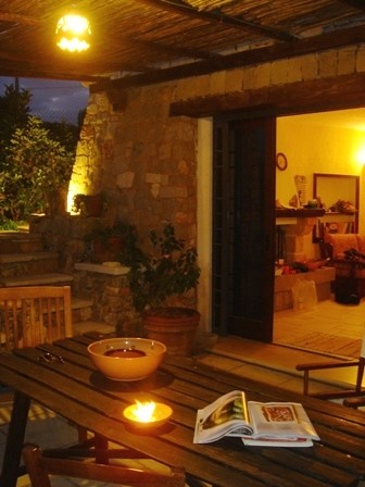 A traditional villa in Puglia with private pool overlooking the sea
