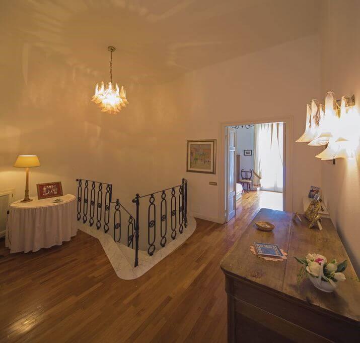 Villa with private pool near Porto Venere sleeping 8 people in the Italian Riveria
