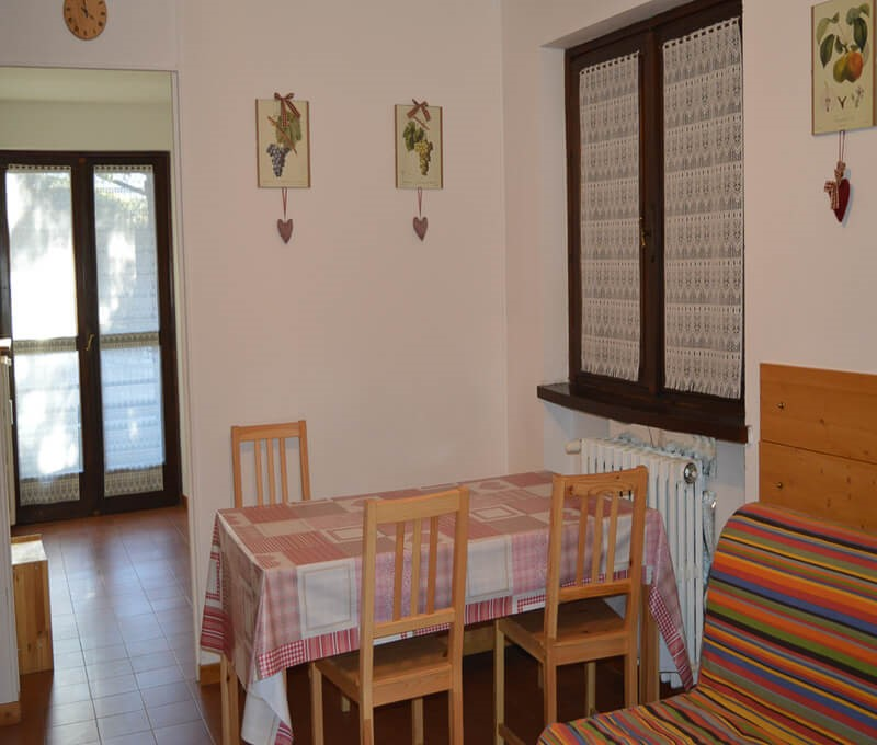 Self catering apartment in Sauze for 6 people located at the top part of the resort