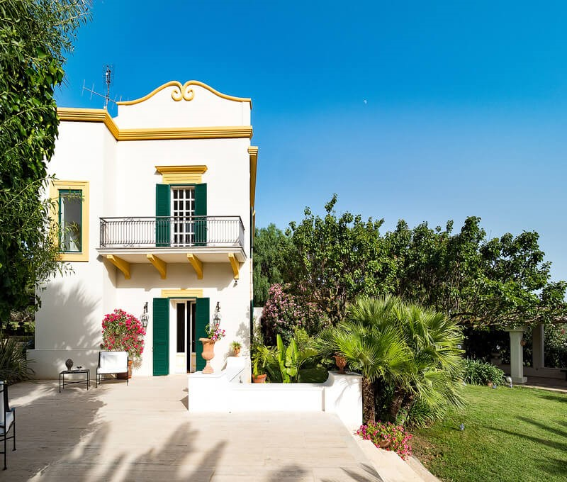 Villa with pool in west Sicily in a sunny position