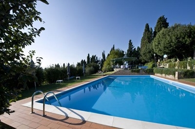 A traditional Tuscany villa with panoramic views and private pool sleeping 20 people in 10 bedrooms