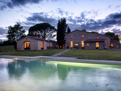 Large luxury villa in Tuscany for 18 people with private pool