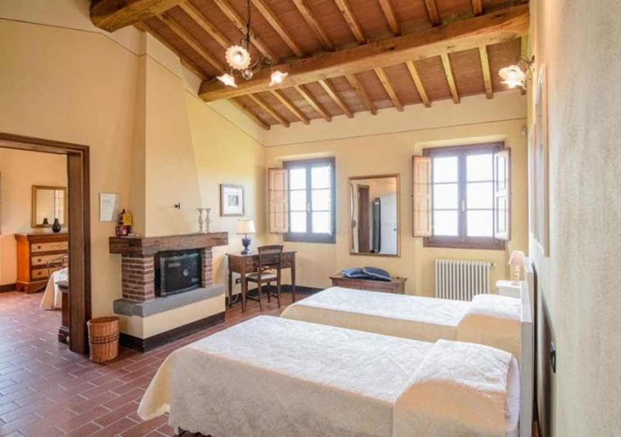 Large villa suitable for disabled people in north Tuscany