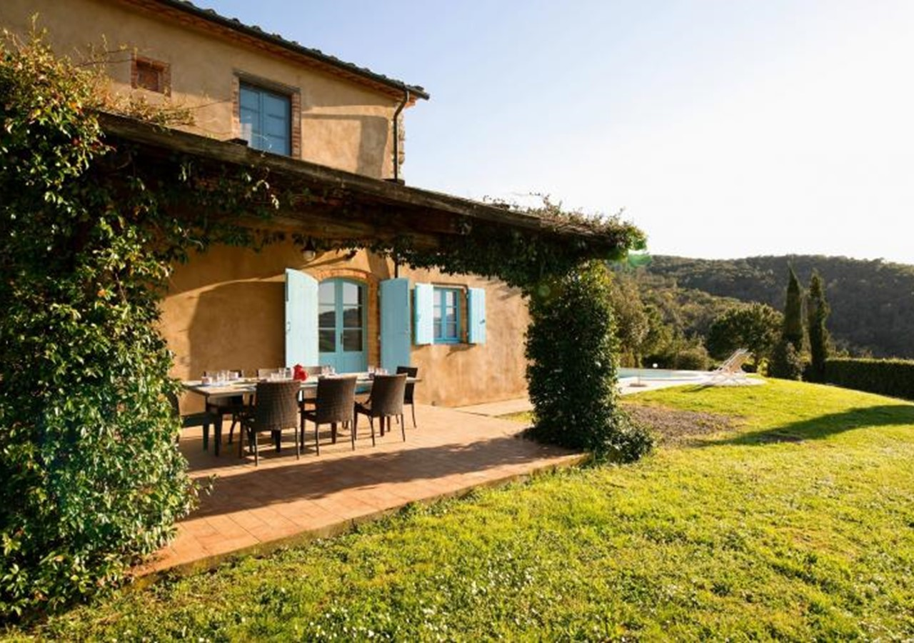 Typical stone built farmhouse in Tuscany suitable for disabled people