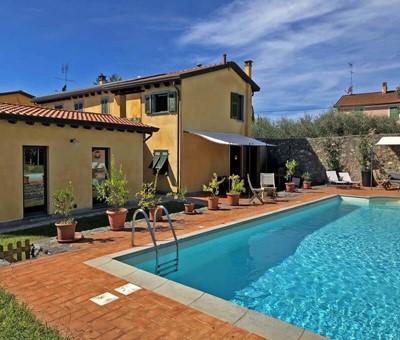 Large villa in Liguria near the Cinque Terre with private swimming pool