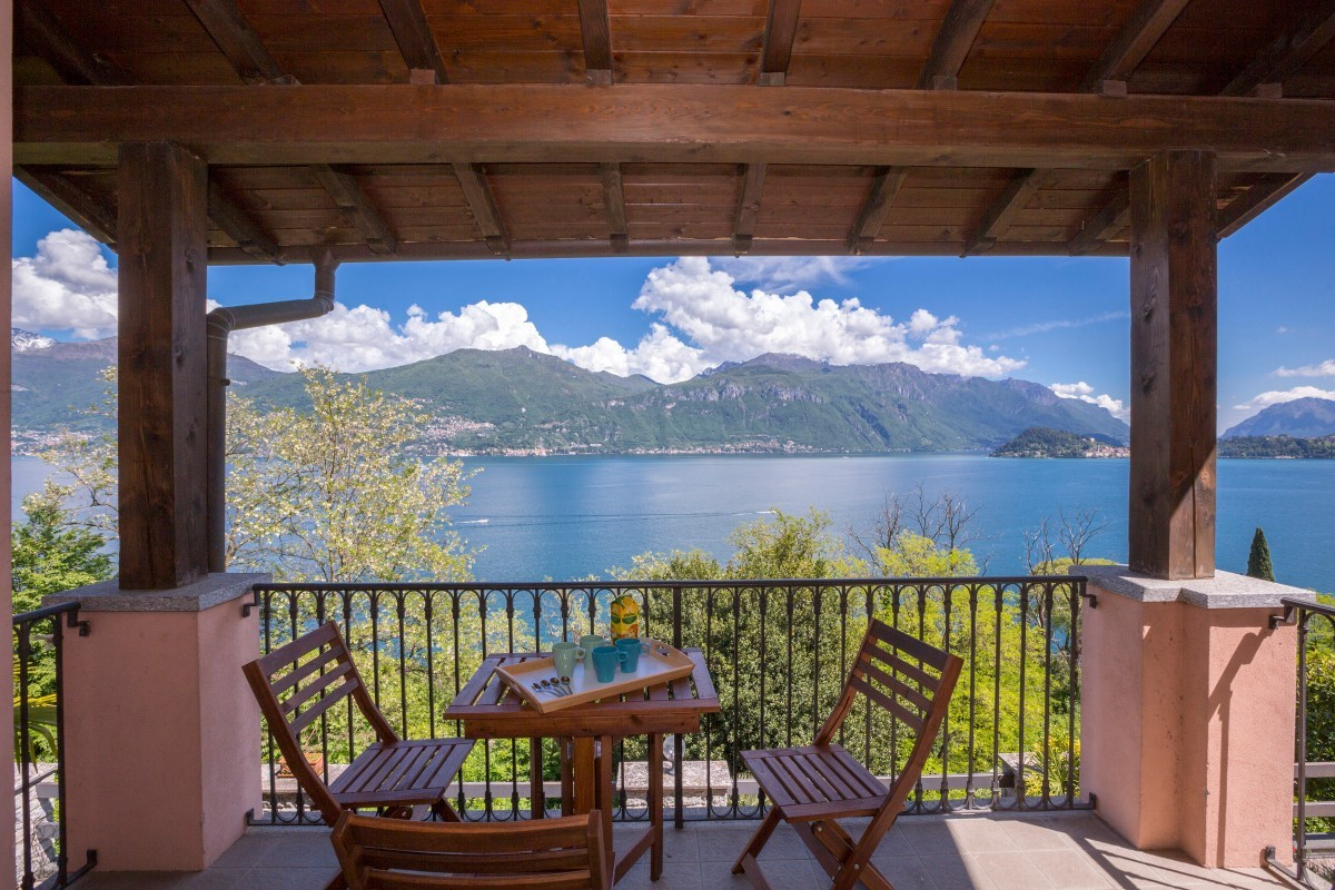 2 bedroomed apartment for 6 people near to Menaggio