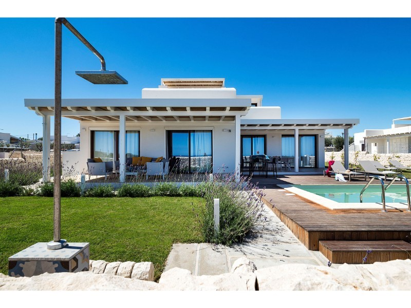 Sea view villa for 6 people with private pool in south east Sicily