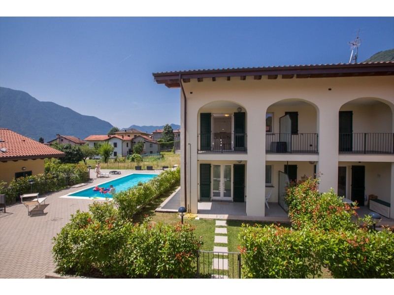 Apartment for 4 people with shared swimming pool on the west coast of Lake Como